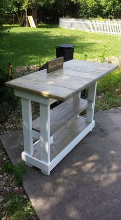 Woodworking Shop Layout, Green Woodworking, Unique Woodworking, Woodworking Projects That Sell, Woodworking Furniture, Router Woodworking, Japanese Woodworking, Popular Woodworking, Woodworking Crafts
