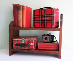 I had this lunch box...red plaid <3
