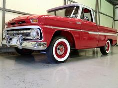 Beautiful red and white 65 Chevy truck! So classic :) white walls! 1966 Chevy Truck, Chevrolet Trucks, 1957 Chevrolet, Chevrolet Impala, C10 Trucks, Lifted Trucks, Classic Pickup Trucks, Classic Chevrolet, Chevy Pickups