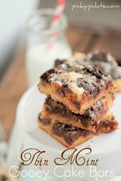 Girl Scout Cookie Thin Mint Gooey Cake Bars #recipe #dessert #cookie