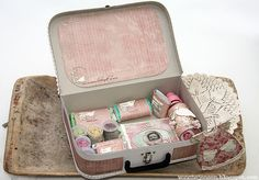 Baby shower! En slik førstehjelpskoffert er en humoristisk, men samtidig veldig søt og anvendelig gave til nybakte foreldre.