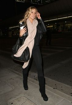 kristin cavallari, black boots, black leather jacket, black top, black leggings, black bag, blush scarf ☑️