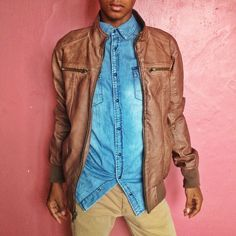 When i talk about #style, is just saying the way how we can combine our clothes. Example match a #bluejeans shirt with a leather #jacket. You dont need to #buy to much stuff. Judt play with your #clothes #panama #losangeles #london