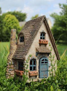 Fabulous DIY Fairy Garden Ideas on A Budget (29)
