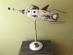 Art Steampunk, Steampunk Airship, Steampunk Design, Steampunk Furniture, Retro Rocket, Sculpture Metal, Spaceship Art, Found Object Art, Scrap Metal Art