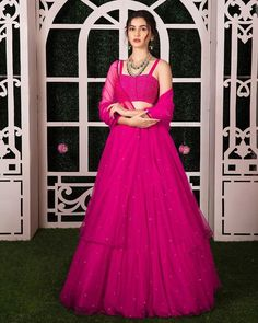 Love this pink Geethika Kanumilli cocktail lehenga Are you looking for some Latest Bride Sister Lehengas? Check out the latest Gayatri spring summer collection by Geethika Kanumilli. Indian Lehenga, Indian Gowns, Indian Attire, Indian Ethnic Wear, Pink Lehenga, Net Lehenga, Lehenga Choli Designs, Designer Bridal Lehenga, Designer Lehanga