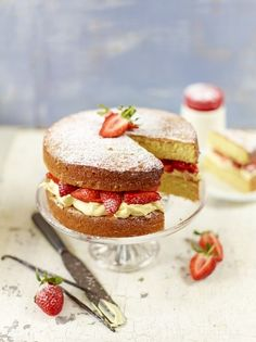 Strawberry & cream sandwich sponge | Jamie Oliver