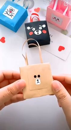 Diy Crafts Home, Diy Crafts Hacks, Diy Crafts For Gifts, Paper Crafts For Kids, Diy For Kids, Diy Gifts For Friends, Diy Bags Out Of Paper, Diy Paper Bag Gift, Diy Cards For Best Friend