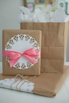 Pretty gift wrap ideas using the @Martha Stewart Circle Edge Punch from @Michaels Stores
