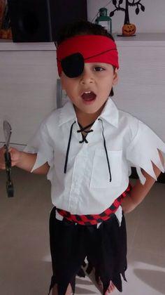 Niño pirata