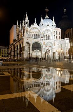 Basilica di San Marco in Venecia, Italia Places Around The World, Oh The Places You'll Go, Places To Travel, Around The Worlds, Wonderful Places, Beautiful Places, Rome Florence, Voyage Europe, Photos Voyages