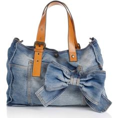 "Képtalálat a következőre: ""denim bag""Designer Clothes, Shoes & Bags for Women Diy Jeans, Jeans Denim, Denim Handbags, Quilted Handbags, Mochila Jeans, Handbags Online Shopping, Denim Purse, Denim Ideas, Creation Couture"