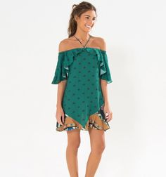 Healthy living tips wellness programs for women Hawaiin Dress, Outfits For Teens, Casual Outfits, Fashion Gallery, Lovely Dresses, Fashion Labels, Boho Chic, Beachwear, Blouse