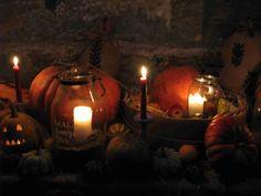 Hallowen 4 Halloween, Pumpkin Carving, Art, Craft Art, Kunst, Gcse Art, Spooky Halloween, Art Education Resources