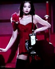 Kim Jennie, Blackpink Video, Foto E Video, Kpop Gifs, Aesthetic Videos, Music Aesthetic, Black Pink Kpop, Blackpink Memes, Penelope