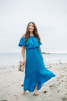 Visit here to see the best summer vacation outfits on Maxie Elise Blog! Best vacation outfits dresses casual and vacation outfits dresses street styles. These are cute vacation outfits dresses maxi skirts which are vacation outfits dresses chic. Read about vacation essentials list the beach. You will love seeing the best summer vacation essentials fashion. Get inspired to buy Summer outfits for women in their 30s or even classy chic looks. #summer #ad #outfits Summer Vacation Outfits, Casual Summer Outfits For Women, Boho Summer Outfits, Summer Fashion For Teens, Summer Fashion Trends, Vacation Dresses, Vacation Style, Outfit Summer, Spring Fashion