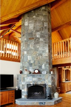 Stunning fireplace i