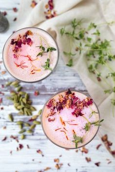 Rose Latte, Get out! My favorite flower is in a Latte? Yummy Drinks, Healthy Drinks, Yummy Food, Fruit Drinks, Healthy Bowl, Healthy Weight, Healthy Junk, Cocktail Recipes, Cocktails