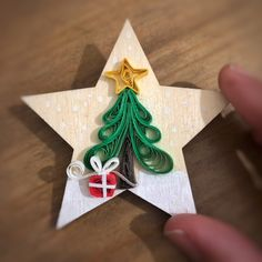 Quilling Work, Quilling Jewelry, Quilling Ideas, Quilling Patterns, Quilling Designs, Paper Quilling, Christmas Time, Christmas Crafts, Christmas Ornaments