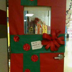 classroom door christmas decor