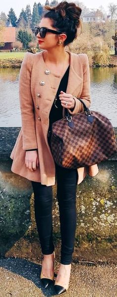 #spring #outfits woman wearing brown coat holding Damier Ebene Louis Vuitton duffel bag. Pic by @fashionhippieloves