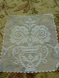 Crochet Placemats, Crochet Doilies, Crochet Carpet, Crochet Cross, Bed Sheets, Crochet Projects, Needlework, Flora, Crochet Patterns