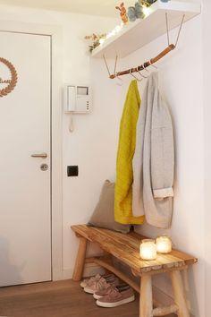 Scandinavian Style: Decorating Tips & Photos - Home Fashion Trend Living Room Furniture Arrangement, Living Room Decor Cozy, Table Furniture, Hallway Decorating, Decorating Tips, Interior Minimalista, Trendy Furniture, Rustic Bathrooms, Visual Comfort