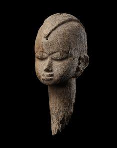 Eberhard Fischer et Lorenz Homberger, —respectivement ancien directeur et ancien conservateur du département d'art africain et océanien du Museum Rietberg de Zurich, co-commissaires de cette exposi…