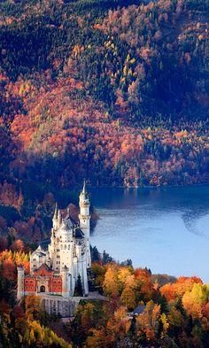 Neuschwanstein Castle in autumn.. Bavaria, Germany
