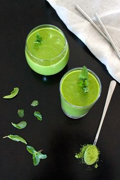 "Matcha Pina Colada Green Smoothie + ""Advanced Raw Cuisine Course"" — FreshnCrunchy"