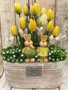 ♥ ~ ♥ Spring into Easter ♥ ~ ♥ Happy Easter, Easter Bunny, Easter Flower Arrangements, Diy Ostern, Easter Parade, Deco Floral, Easter Holidays, Easter Table, Easter Wreaths