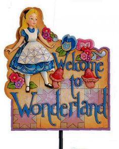 Disney Jim Shore Alice Welcome To Wonderland Garden Plaque Sign 4016545 NEW Alice In Wonderland Crafts, Christmas Story Books, Garden Plaques, Disney Traditions, My Secret Garden, Disney Love, Cartoon Characters, Tinkerbell, Whimsical