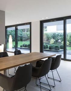 Optical effect 2 sliding windows with a narrow wall #effect #narrow #optical #sliding #wall #windows