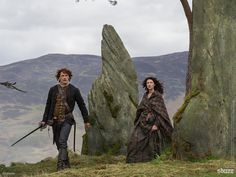 Thank you @LightboxNZ for bringing Claire and Jamie into our lives every week and only hours after the us #Outlander pic.twitter.com/2PfwkwaUl7