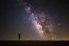 Las noches de Michael Shainblum - http://www.miyoinquieto.com/las-noches-de-michael-shainblum/ -  Michael Shainblum es un fotógrafo californiano (vive en San Diego) especializado en la fotografía de paisaje. Autor de reconocidas series en las que estructura su trabajo según el tipo el entorno (urbano, nocturno, mar, paisaje…), Shainblum, a través de su web, nos enseña cómo realiza su trabajo...  www.miyoinquieto.com