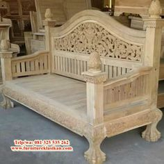 Wooden Sofa Designs, Wooden Couch, Pooja Room Design, Indian Furniture, Pooja Rooms, Classic Interior, Big Houses, Wood Crafts, Toddler Bed