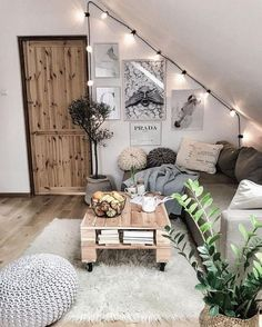 Room decor - 71 pallet coffee table & other projects 2019 00086 Furniture Classic Cute Room Decor, Living Room Decor Ideas Vintage, Bohemian Room Decor, Den Decor, Cute Room Ideas, Entryway Decor, Cozy Room, Aesthetic Bedroom, Aesthetic Outfit
