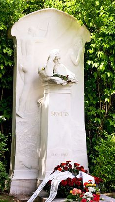 Zentralfriedhof in Vienna, Austria - Grave of Johannes Brahms images Cemetery Headstones, Cemetery Art, European River Cruises, Funeral Ideas, Famous Graves, Heart Of Europe, Art Sculpture, Famous Musicians, Graveyards