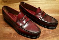 1e44b182d6b G.H. Bass Weejuns 9.5D burgundy leather penny loafers casual dress Men s  Shoes
