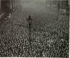Dos minutos de silencio en el día del Armisticio, Londres 1919
