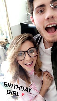 Zalfie   i love zoë with glasses