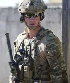 His Royal Highness Prince Henry of Wales – or Captain Harry Wales – as he is known in the British Army is undertaking a short duration attachment with the Australian Army Prince Harry Of Wales, Prince Harry Photos, Prince William And Harry, Prince Henry, British Army, British Royals, Force Pictures, Prinz Harry, Picture Albums