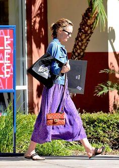 Vanessa walks with a quick and elegant step Lilac, Lavender, Purple, Lily Rose Depp, Vanessa Paradis, Parma, Elegant, Celebrities, Walks