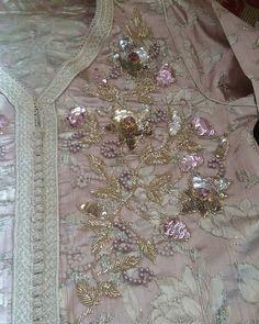 #perlagemaria#caftan#hautecouture#swarovski#mode#handmade#beautiful#kaftan#perlage#abaya#couture#lux#gandoura#perlagemaria#marocco#maroc#rabat#casa