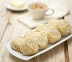 Warm, homemade biscuits add a comforting touch to any family dinner. Healthy Side Dishes, Side Dishes Easy, Side Dish Recipes, Epicure Recipes, Garlic Dip, Lean Meals, Homemade Biscuits, Pastry Blender, Specialty Foods