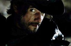 """The Desperado: """"This world, is madness!"""" Westworld: nova série da HBO tem Rodrigo Santoro e Anthony Hopkins no elenco"""