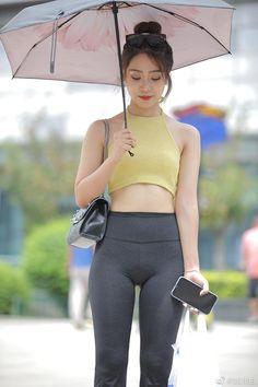 Vietnam Girl, Beautiful Asian Women, Sexy Asian Girls, Workout Wear, Sexy Body, Asian Woman, Fitness Fashion, Asian Beauty, Sexy Women
