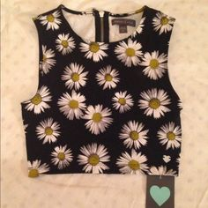 Daisy Crop Top NWT! Perfect condition. Zips all the way up in the back Kendall & Kylie Tops Crop Tops