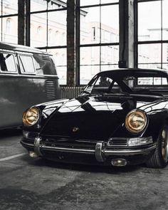 It's a Man's World - Porsche - Motos Porsche 912, Porsche Autos, Bmw Autos, Porsche Cars, Porsche Carrera, Porsche Classic, Bmw Classic Cars, Vw Vintage, Vintage Porsche