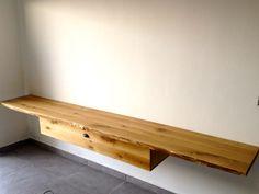 יחידה תלויה מתחת לטלויזיה, עשויה מעץ